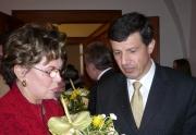 Europoslanec OldřichVlasák při setkání s Áňou Vrzáňovou
